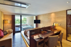 Whirlpool Suite Room